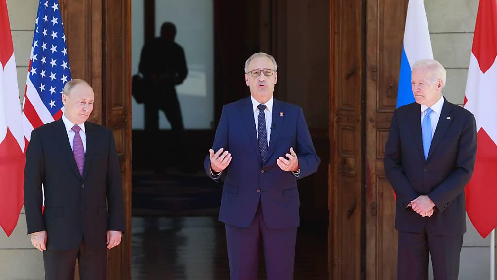Parmelin flankiert von Putin (l.) und Biden (r.). Für die frühere Aussenministerin Calmy-Rey «ein schönes Bild der Rolle der Schweiz».