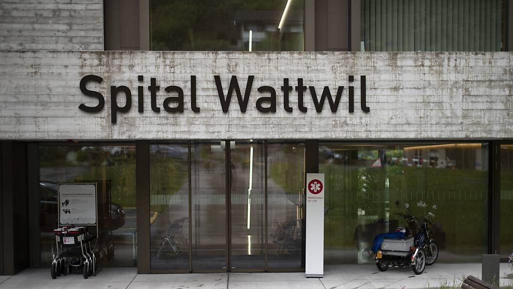 Die SP meldet, dass für das Referendum «Spital Wattwil erhalten» bereits genügend Unterschriften gesammelt worden seien. Die Frist dauert allerdings noch bis Ende Januar. (Archivbild)