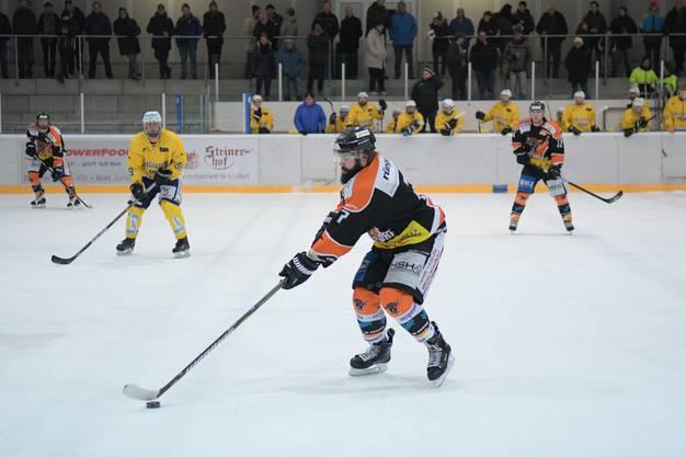 Urdorfs Sebastian Hauser und seine Teamkollegen mussten gegen den Club da Hockey Engiadina die dritte Niederlage in Folge verarbeiten.