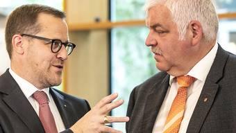 Der Schwyzer FDP-Ständeratskandidat Kaspar Michel (links) tritt nicht zur Stichwahl an, Othmar Reichmuth (CVP) kämpft dort gegen Pirmin Schwander (SVP).