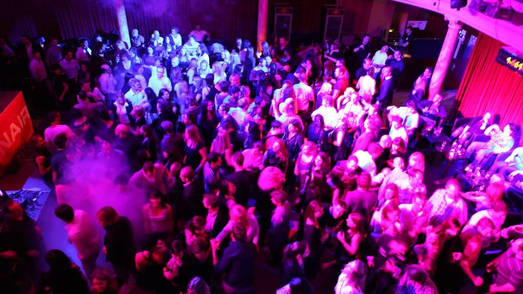 WM-Fieber an der Ü30 Popkeller Party