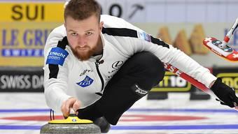 Yannick Schwaller greift auch im Mixed-Doppel-Curling an