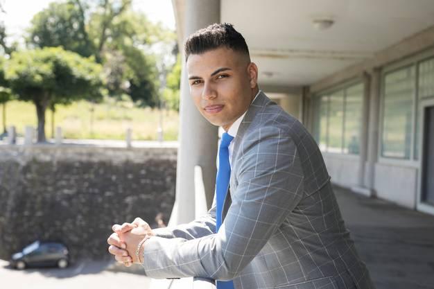 Adrian Spahr ist Co-Präsident der jungen SVP Kanton Bern. Er wohnt in Lengnau BE und arbeitet als Polizist in Basel.