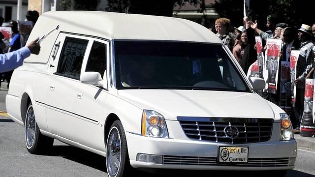 Der Sarg von Troy Davis wird zum Friedhof gefahren