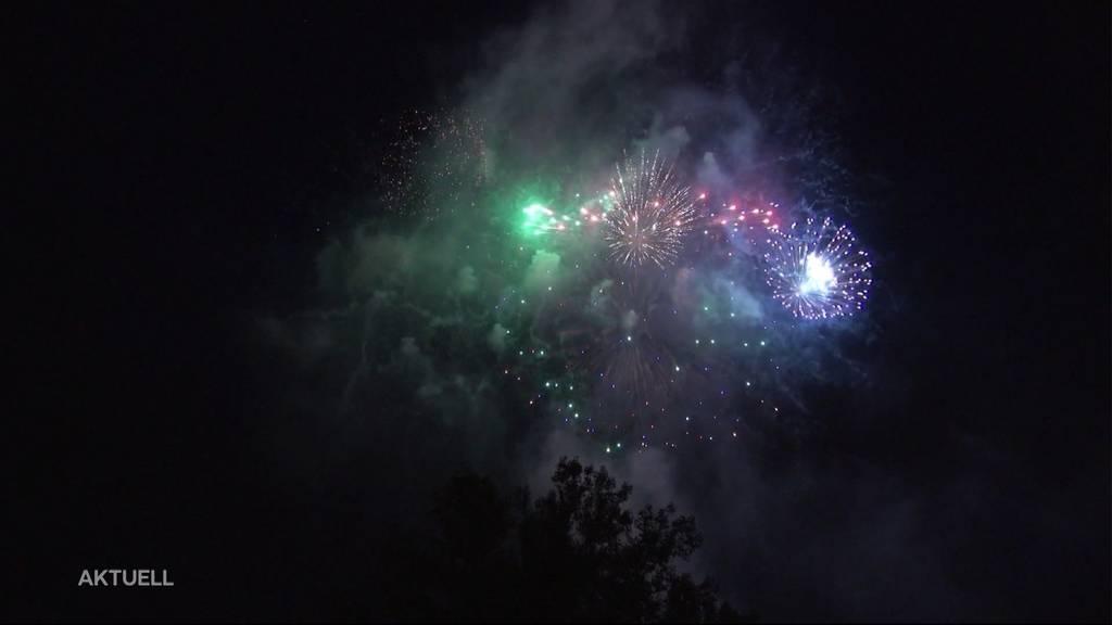 Feuerwerksverkäufer hoffen auf ein gutes Geschäft