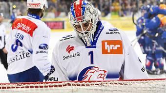 ZSC-Goalie Niklas Schlegel hat hier das 1:4 hinnehmen müssen