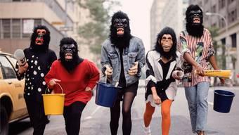 Die Künstlerinnen der Guerilla Girls kämpfen schon lange für Gleichberechtigung in der Kunst.