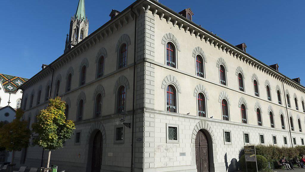 Das Kantonsgericht St.Gallen verurteilt  einen Mann wegen Testamentfälschung