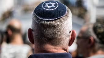 Die Zahl antisemitischer Handlungen in der Romandie ist 2018 gestiegen. Immer öfter werden die sozialen Netzwerke für Beleidigungen genutzt. (Symbolbild)