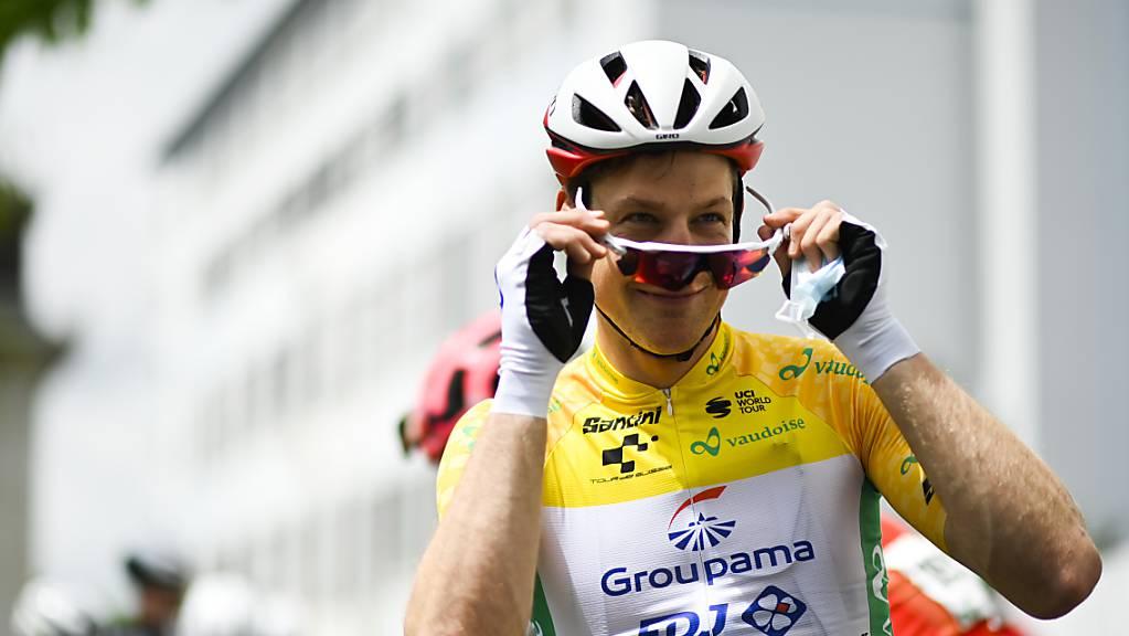 Stefan Küng darf sich einen weiteren Tag in Gelb präsentieren.