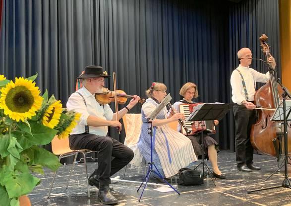 """Volksmusik mit den """"Limmetchlüppler"""" (Bild: A. Schweiwiller)"""