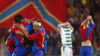 Unbändige Freude Der FC Basel qualifiziert sich dank eines 20 gegen Celtic Glasgow im heimischen Joggeli erstmals in seiner Geschichte für Champions League.