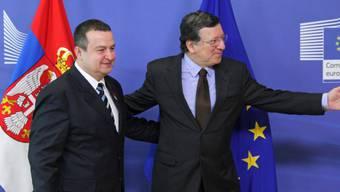Gemeinsamer Weg: Barroso und Serbiens Premier Dacic (Archiv)