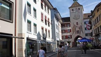 Und wieder wird die Liestaler Altstadt um einen langjährigen Player ärmer: PKZ (links im Bild) schliesst seine Filiale auf Ende Jahr.