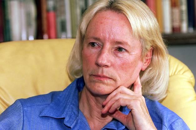 Studierte Philosophie, Anglistik und Germanistik an der Universität des Saarlandes in Deutschland: Annemarie Pieper, emeritierte Philosophieprofessorin
