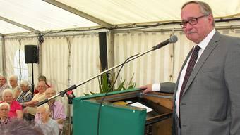 Im vollbesetzten Festzelt fand alt Bundesrat Samuel Schmid viele aufmerksame Zuhörer.