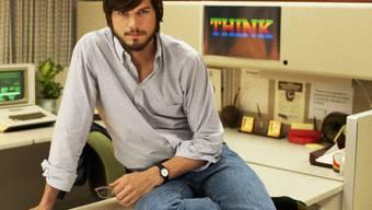 Ashton Kutcher sieht Steve Jobs auffallend ähnlich