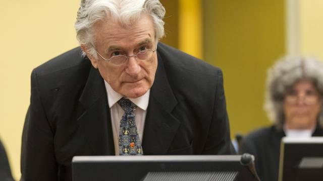 Der frühere bosnische Serben-Chef Karadzic vor dem Haager Tribunal