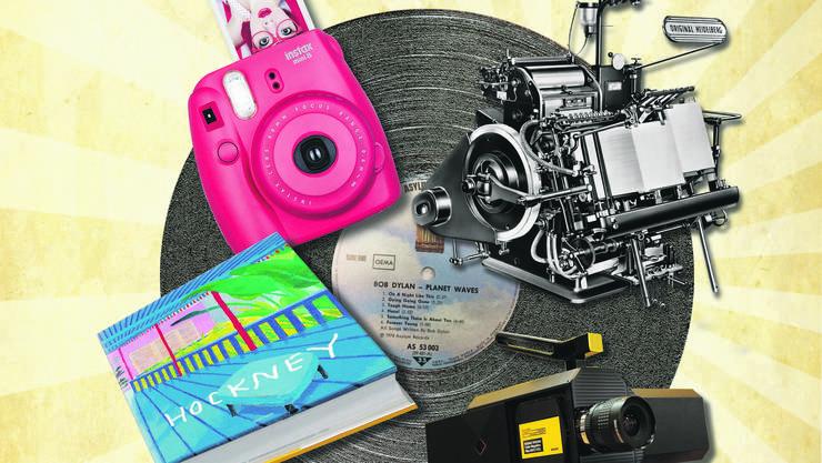 Analog ist chic Sofortbildkamera von Fujifilm; Heidelberg-Druckmaschine; Kodak Super 8 Camera, Kunstbuch.