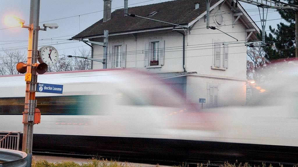 SBB funktionieren kleine und mittelgrosse Schweizer Bahnhöfe in Büros um
