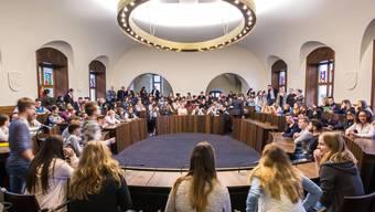 Die Jugendlichen zeigen sich interessiert an der Solothurner Politik (Archivbild, 2016)