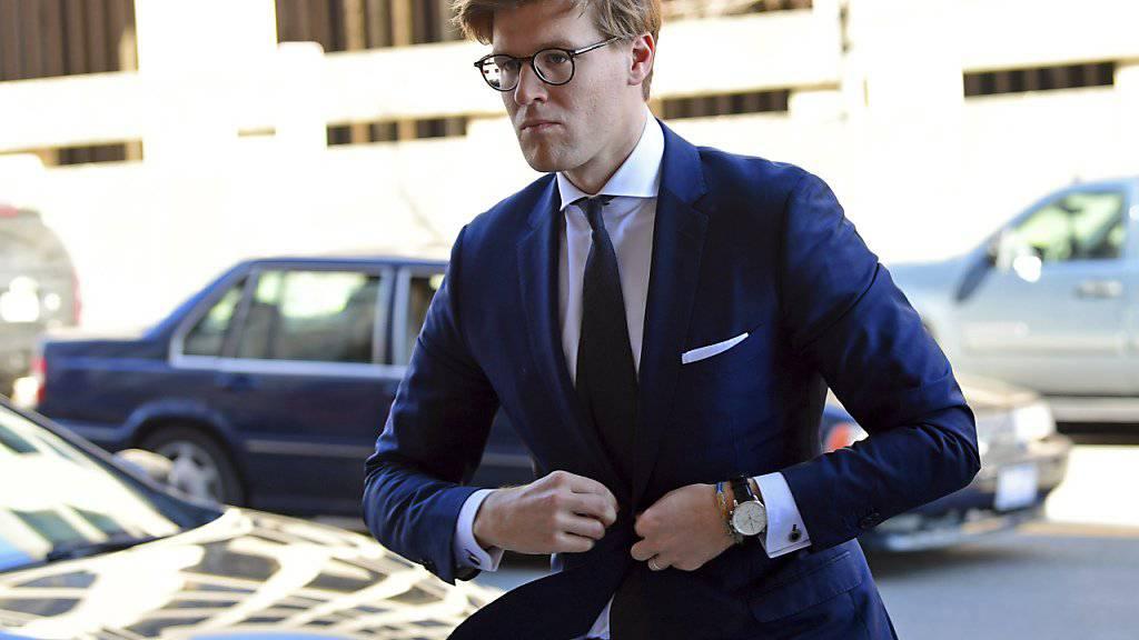 Alex van der Zwaan auf dem Weg zum Gericht in Washington, wo er sich schuldig bekannte. (Archiv)