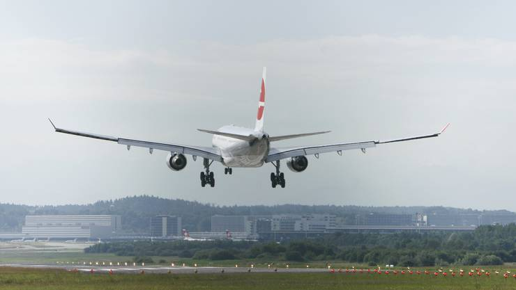 Bundesgerichtsentscheid: Die Verlängerung der Piste 28 in Rümlang würde die Landung grösserer Flugzeuge ermöglichen – wie hier auf der Piste 14.