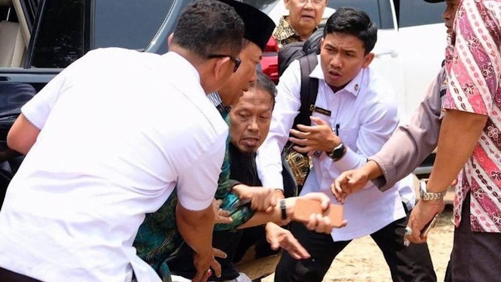 Sicherheitsminister wird von Dschihadisten erstochen