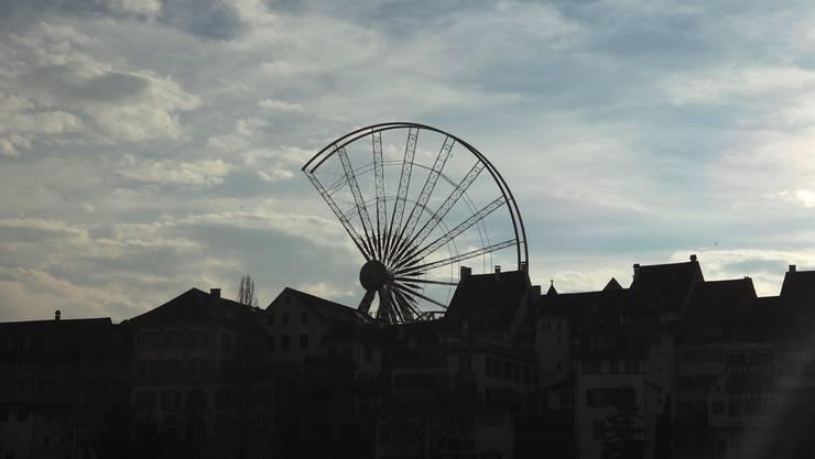 In den kommenden Wochen wird das Riesenrad auf dem Münsterplatz aufgebaut.