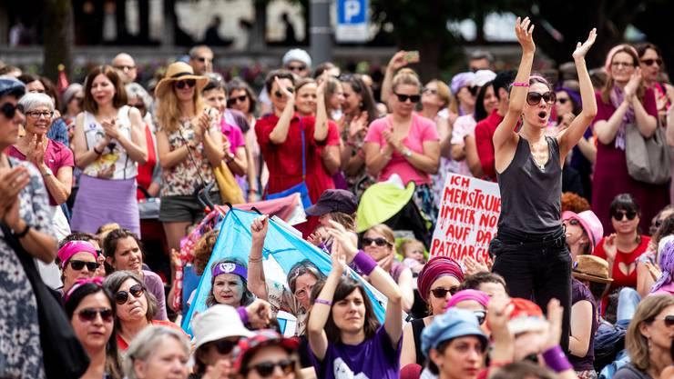 Letztes Jahr demonstrierten hierzulande Hunderttausende Frauen für Gleichberechtigung.