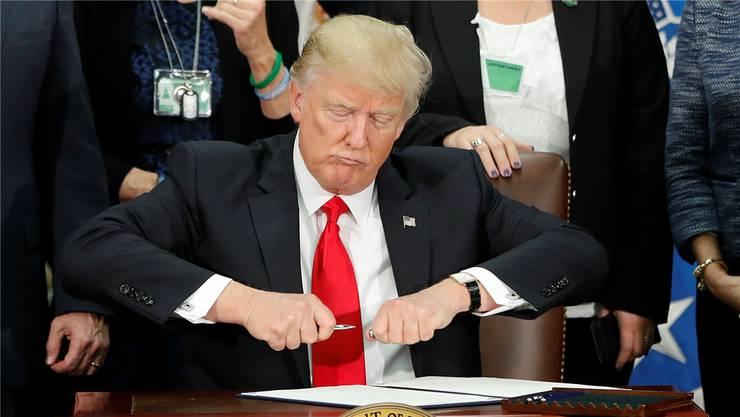 US-Präsident Donald Trump unterschreibt einen neuen Einreisestopp. (Archiv)