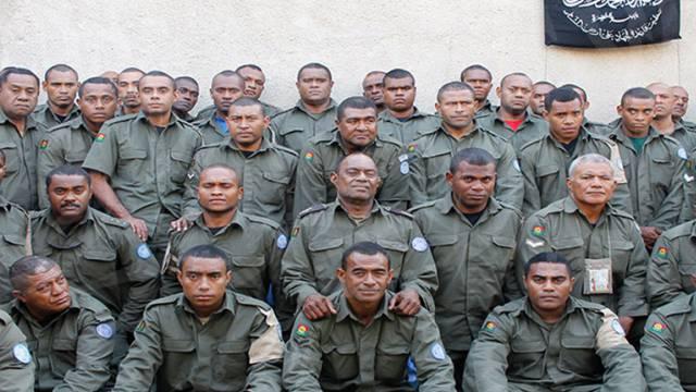 Undatierte Aufnahme der verschleppten Fidschi-Blauhelmsoldaten