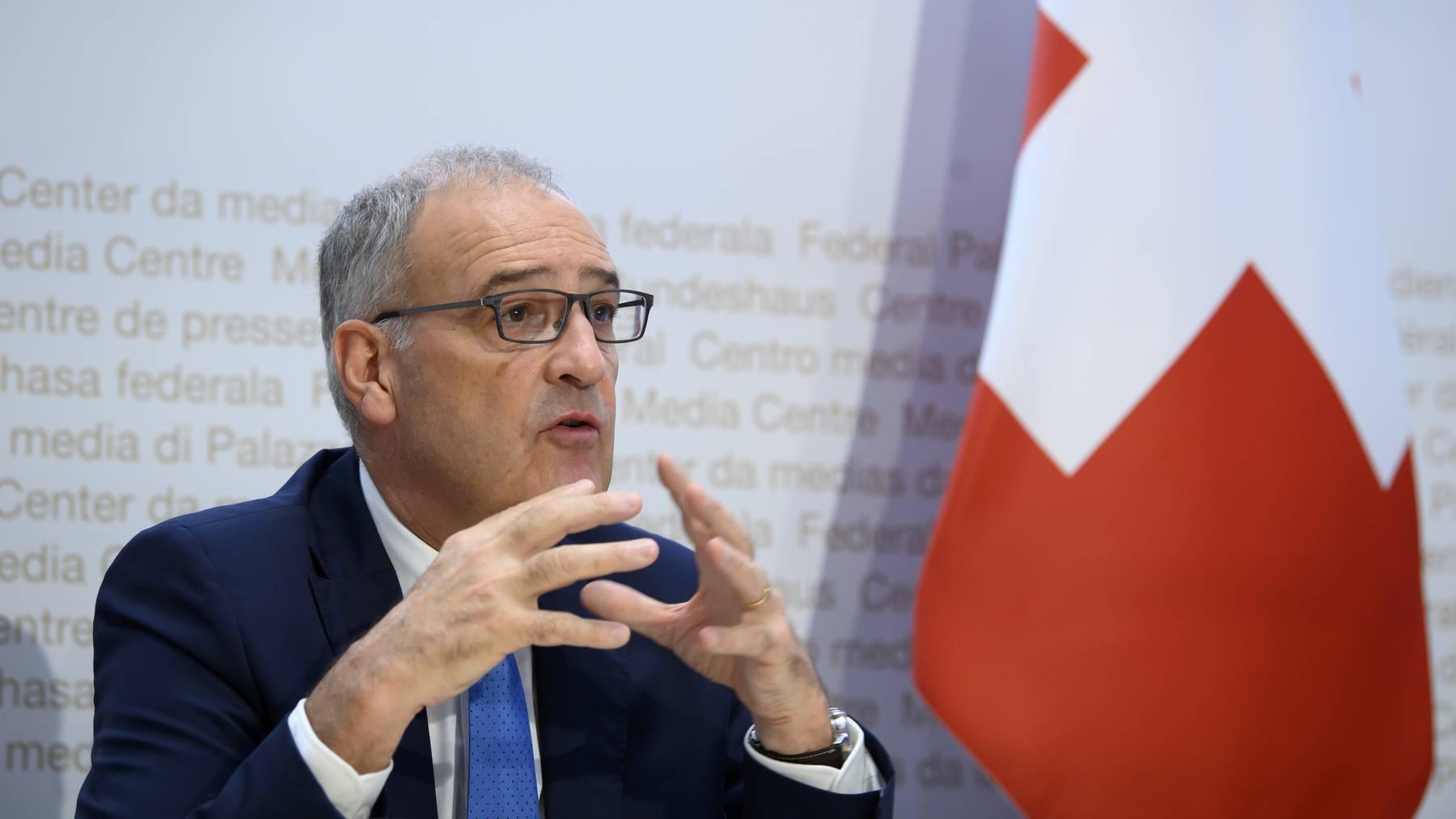 Bundesratspraesident Guy Parmelin spricht an einer Medienkonferenz ueber das weitere Vorgehen gegen die Ausbreitung des Coronavirus (COVID-19): Recovery Programm und die Aussichten fuer den Schweizer Tourismus, am Mittwoch, 1. September 2021, im Medienzentrum Bundeshaus in Bern.