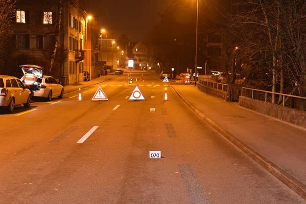 Horgen ZH, 22. Januar: Eine junge Frau ist in Horgen am Mittwochabend auf einem Fussgängerstreifen von einem Auto angefahren und schwer verletzt worden.