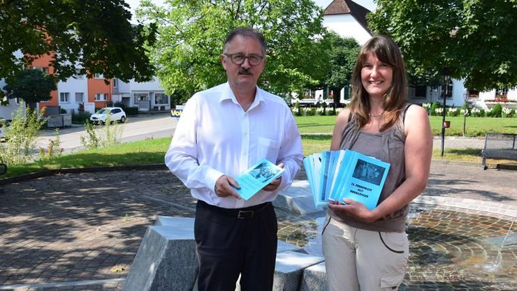 Peter Frei, Gemeindepräsident von Obergösgen, und Sandra Graber kennen sich beim Ferienpass aus. Peter Frei gehört zum Gründerteam, während Sandra Graber gegenwärtig den Ferienpass leitet.