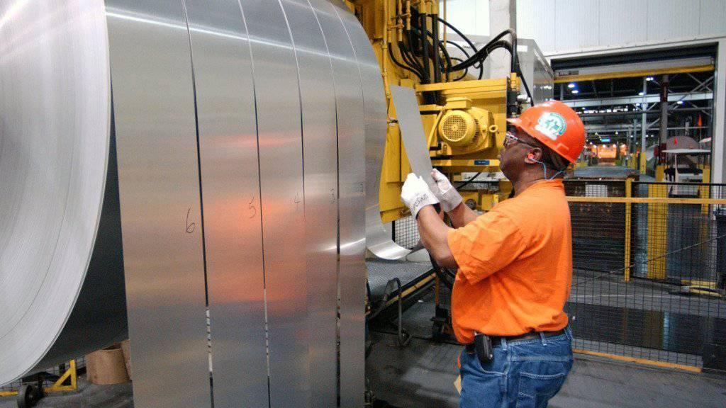 Alcoa will die Alu-Förderung von der Weiterverarbeitung trennen.