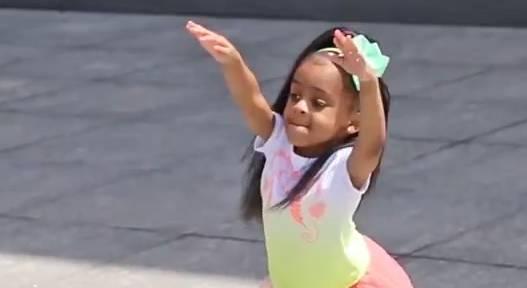 Heaven King: Diese vierjährige Tänzerin ist der Youtube-Star 2015.