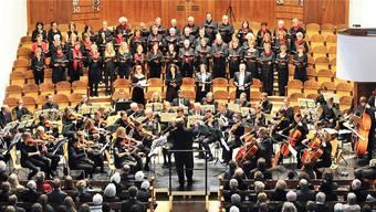 Stadtorchester und ProjektChor glänzten in der Friedenskirche Olten.