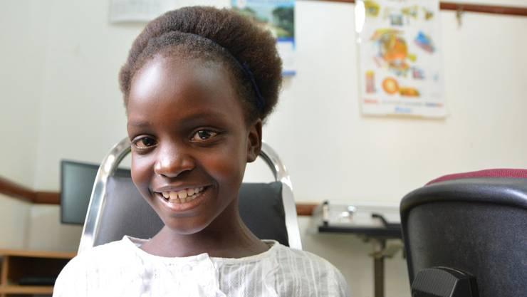Dank CBM-Spenderinnen und -Spendern kann die neunjährige Whitney aus Uganda wieder sehen.
