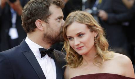 diane kruger und joshua jackson feiern weihnachten in. Black Bedroom Furniture Sets. Home Design Ideas