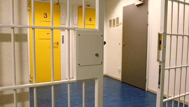 Am Wochenende brachte sich ein Gefangener in seiner Zelle des Bezirksgefängnisses Zofingen um. (Archivfoto)
