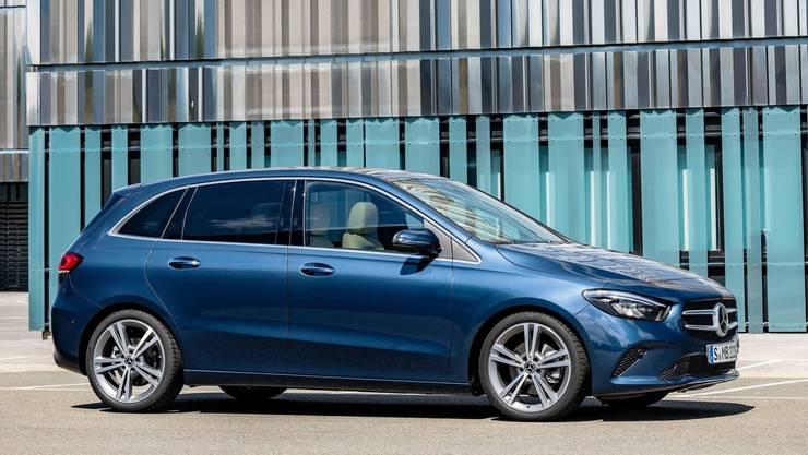 Gelungene Mischung: Mercedes B200 in Denim Blue.