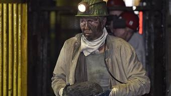 Auch die Kohlemine im deutschen Marl stellte am Freitag ihren Betrieb ein. In Deutschland gibt es damit nur noch zwei Kohleminen. In Grossbritannien ist die Kohle-Ära mit der Schliessung der Mine in Kellingley ganz zu Ende.