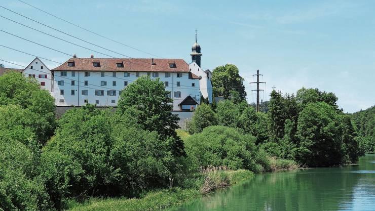 Diese Ansicht des Klosters Hermetschwil wird spätestens ab Frühsommer 2021 keine Stromleitung mehr trüben.