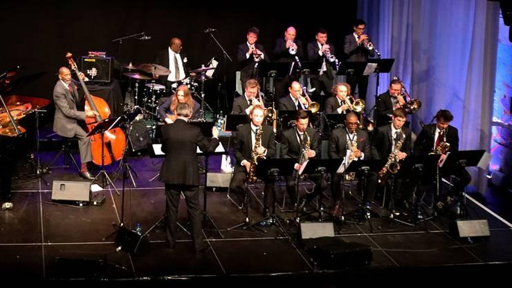 Die Aeschbachhalle wurde zur Ron-Carter-Hall. Montreux hat das Auditorium Stravinski, Aarau die Aeschbachhalle.