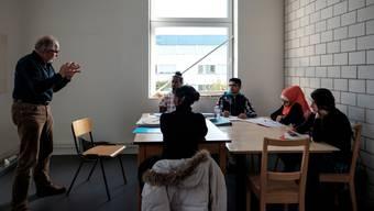 Eine Klasse der UMA-Schule in Aarau mit Lehrer Benno Straumann. Hier war an der Projektwoche der Wohler Bez ein Besuch angesagt. Archiv
