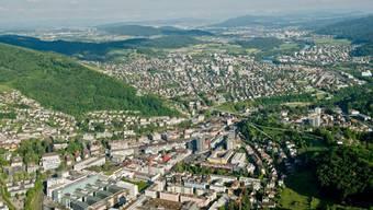 Luftaufnahme von Baden im Aargau: In einem Ranking zur Steuerbelastung für den Mittelstand hat dieser einigen Boden verloren.