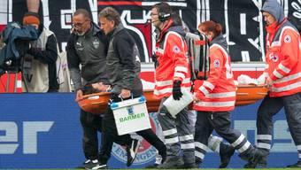 Stuttgarts Christian Gentner schaffte es nicht aus eigener Kraft vom Platz