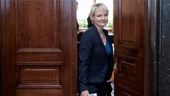 Nach dem ernüchternden Abschneiden von FDP-Kandidatin Isabelle Moret schieben sich Frauen im Bundeshaus gegenseitig den schwarzen Peter zu.Keystone