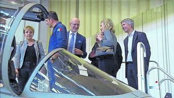 Die SP-Delegation beim italienischen Rüstungskonzern Leonardo; 2. von rechts: Priska Seiler-Graf.